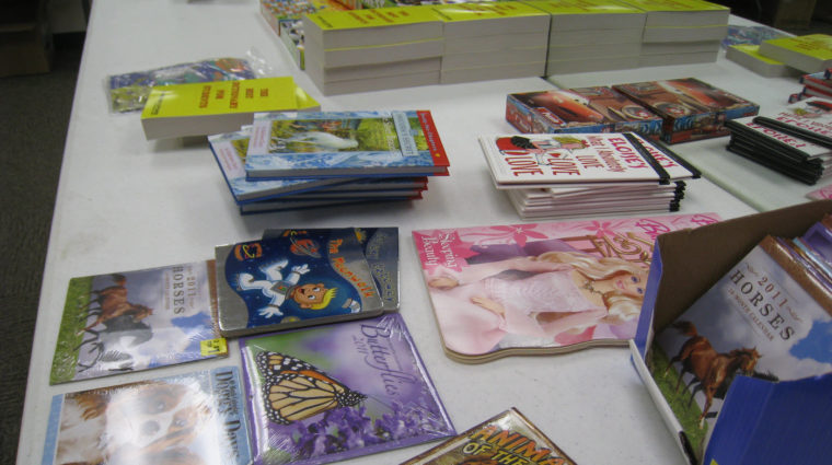 image-reading rally table of books